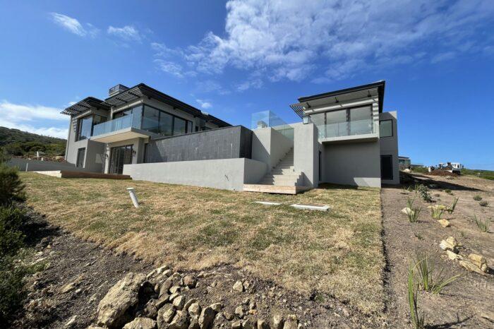 Jarrod-Len-Architecture-BreakwaterBay (2)